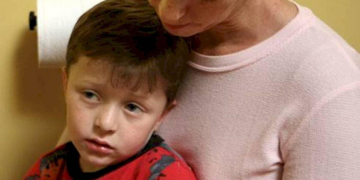 Vírus misterioso causa surto de vômitos em 110 crianças de uma escola primária