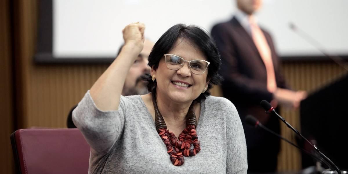 'Detox': Damares quer que brasileiros fiquem sem celular e internet neste domingo