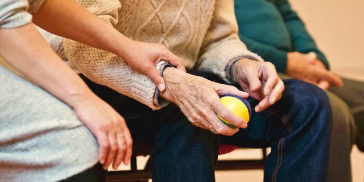 Viudo de 86 años decidió comer a diario en una escuela para no sentirse solo