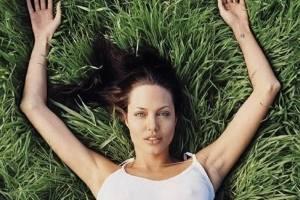 Se filtra foto de Angelina Jolie sin maquillaje y sus fans quedan boquiabiertos