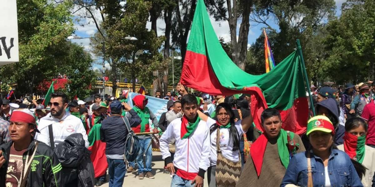 (VIDEO) Desde la U. Nacional avanza la multitudinaria marcha de la Guardia Indígena
