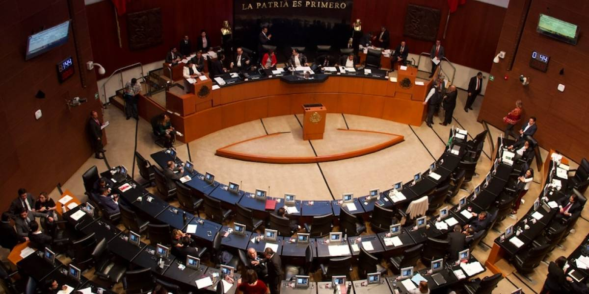 Con 97 votos en contra, Senadores rechazan reforma para quitar fuero al presidente