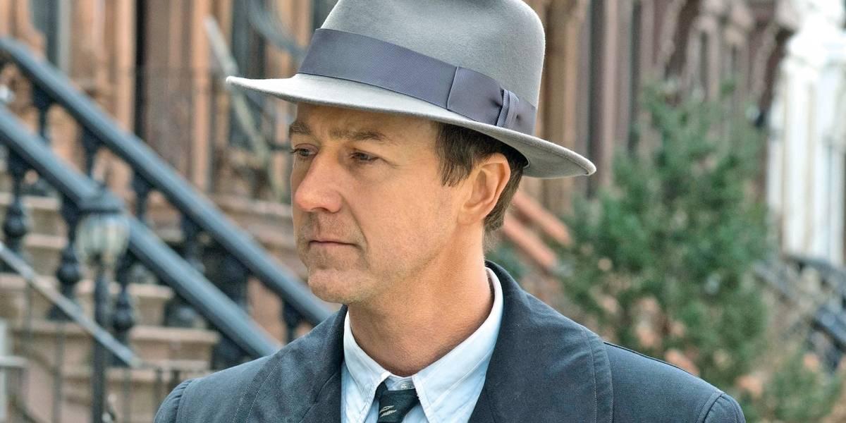 Edward Norton brilha em 'Brooklyn Sem Pai Nem Mãe'