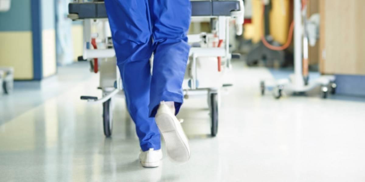 Mujer revive después de pasar más de seis horas en paro cardíaco