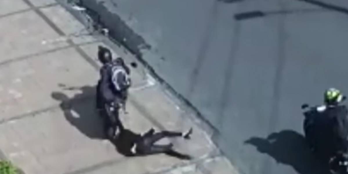 (VIDEO) Mujer fue arrastrada por delincuente que intentó robarla en el norte de Bogotá