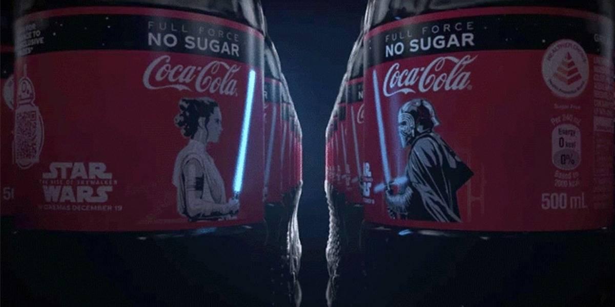 Star Wars: Coca-Cola le puso un sable láser que se ilumina a sus botellas