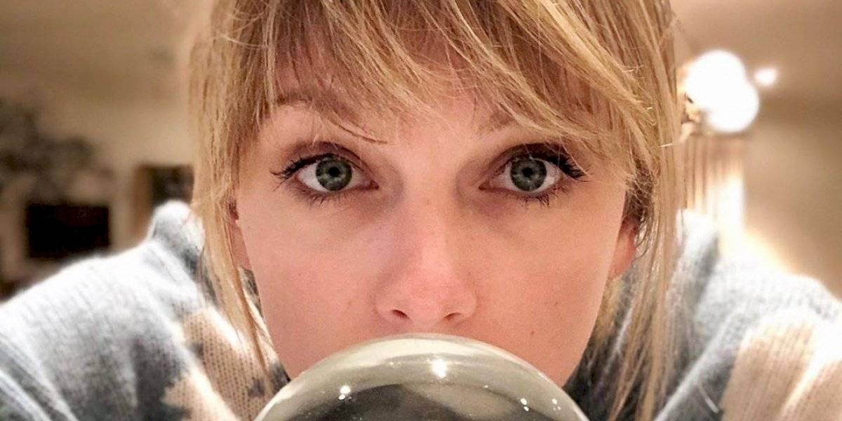 Cantora Taylor Swift lança vídeo de 'Christmas Tree Farm'