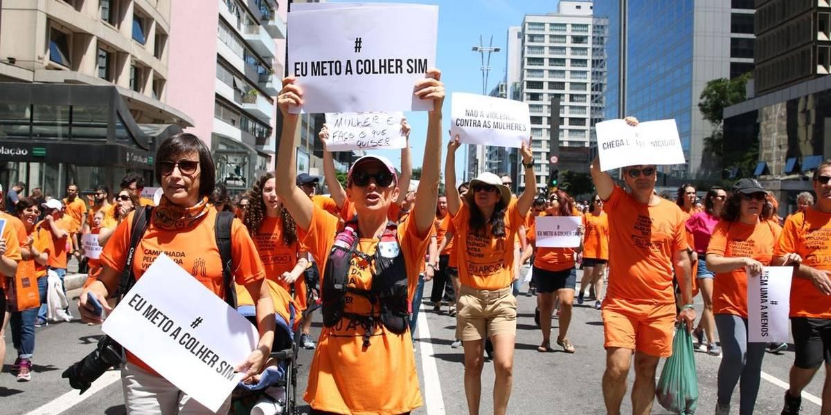 Marcha pelo fim da violência contra as mulheres toma Avenida Paulista