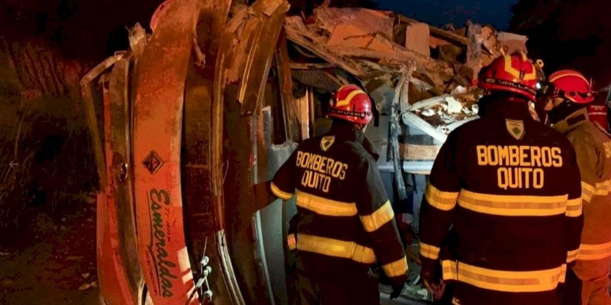 Dos personas fallecidas y 20 heridas en accidente de tránsito en Tabacundo