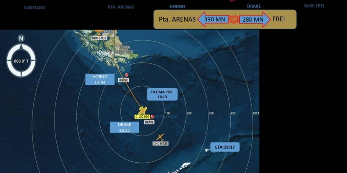 """Presidente Bolsonaro asegura que buque brasileño encontró """"efectos personales"""" del Hércules C-130"""