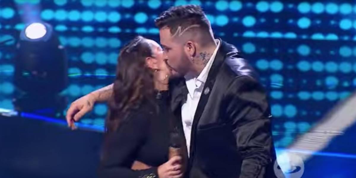 ¿Jessi Uribe se emberracó porque Paola Jara no se dejó besar en lanzamiento de 'A otro nivel'?