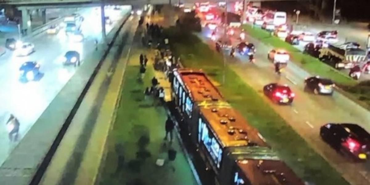 Monumental trancón de TransMilenio en la avenida NQS causa bloqueos