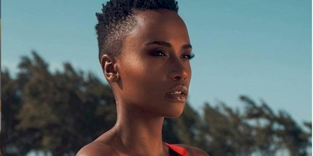 Fuertes críticas a la Miss Universo, Zozibini Tunzi, por 'limpiarse' las lágrimas con dinero