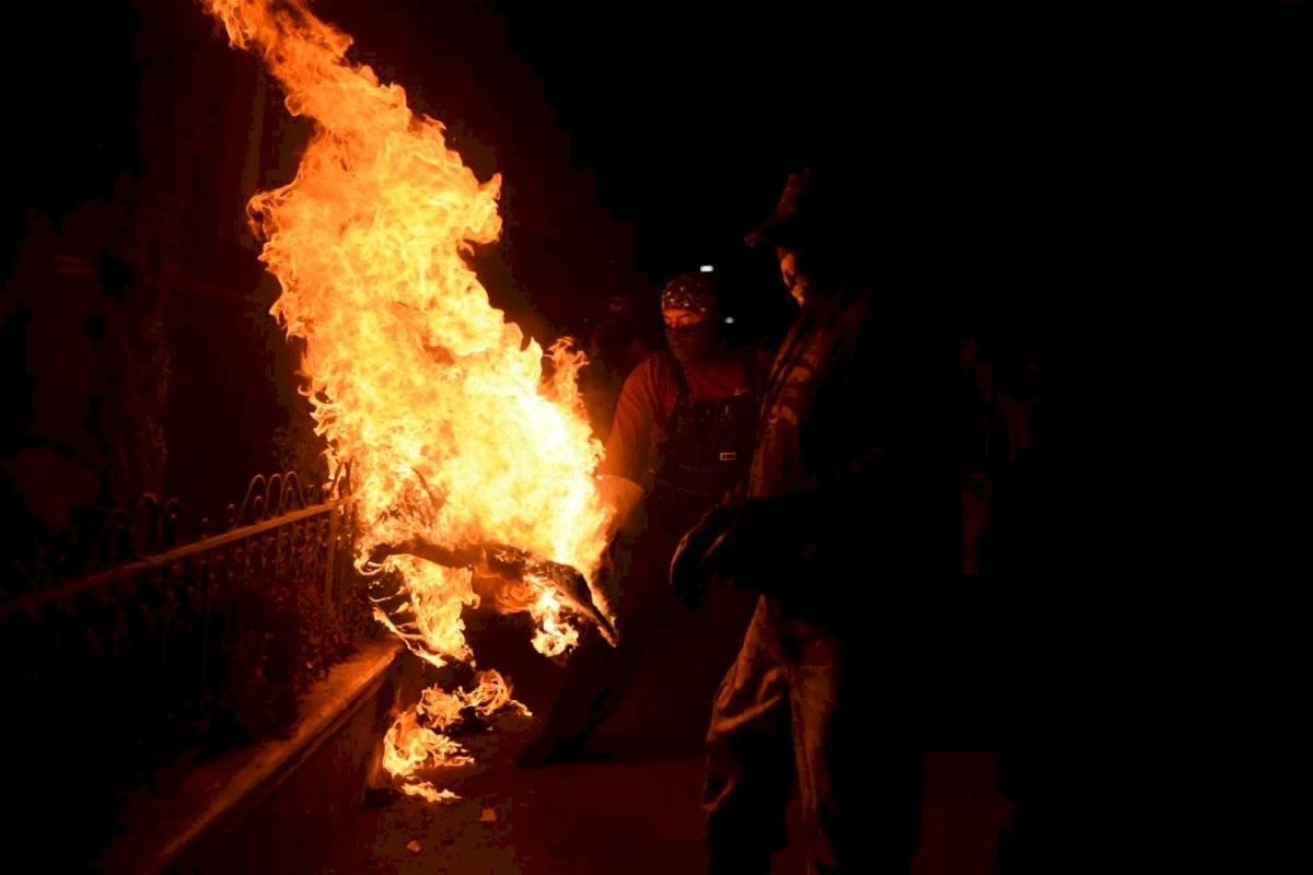 Juego de bolas de Fuego en San Cristóbal Verapaz Edwin Bercián