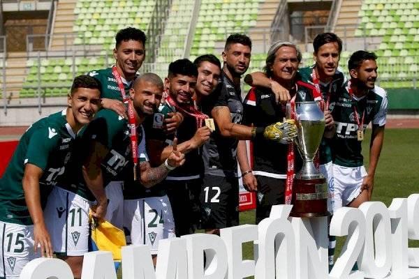 Cincuenta Deformación punto  El trofeo que tanto costó: Wanderers festejó el ascenso a Primera División  tras levantar la copa de la Primera B 2019   Publimetro Chile