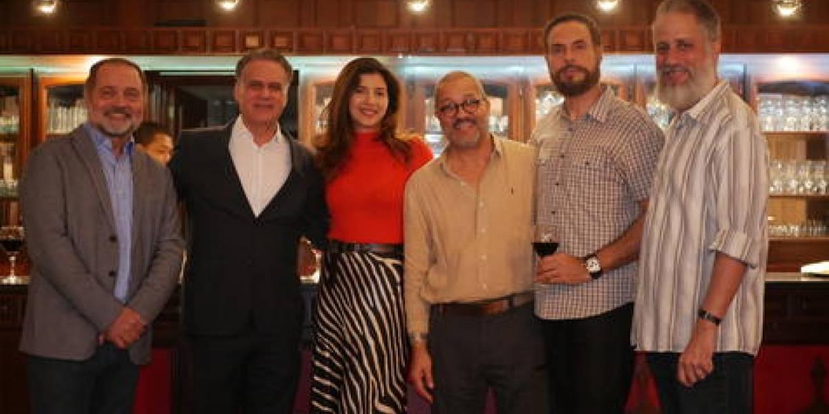 En encuentro navideño, actores de cine del país acuerdan trabajar unidos