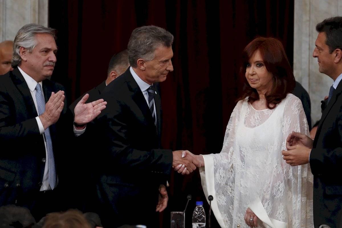 Frío saludo entre Mauricio Macri y Cristina Fernández