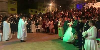 El matrimonio colectivo de 59 parejas que llegaron a la ceremonia en TransMiCable
