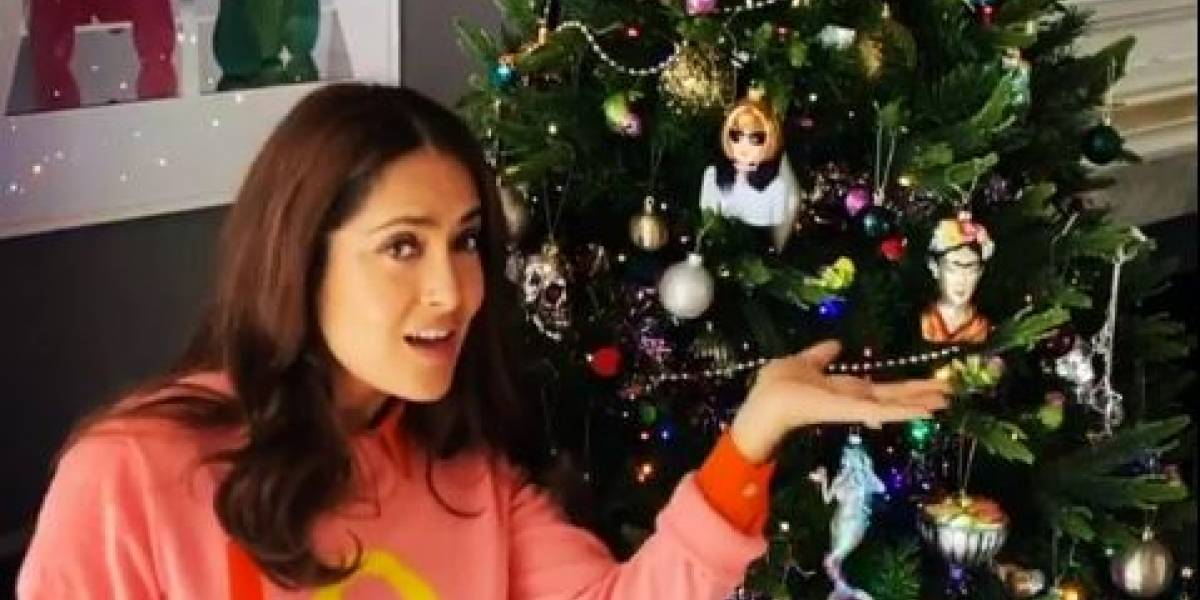 Salma Hayek presentó la decoración mexicana de su árbol de Navidad