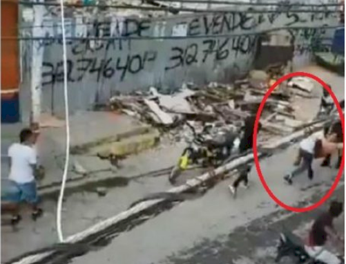 (Video) A plena luz del día secuestraron a un comerciante de 68 años