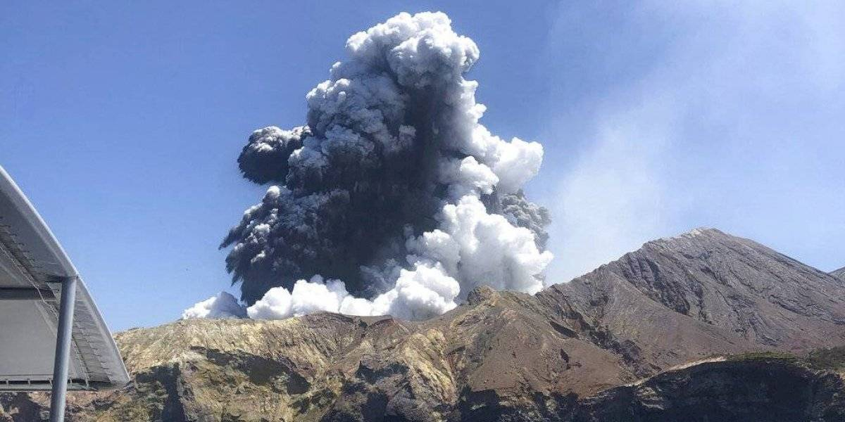 Tras erupción que dejó a seis turistas muertos y varios desaparecidos: aumenta actividad geotérmica en volcán de Nueva Zelanda