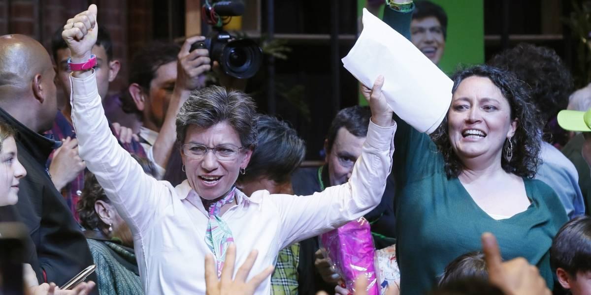 Angélica Lozano defiende que Claudia López cumpla con su citación al Congreso