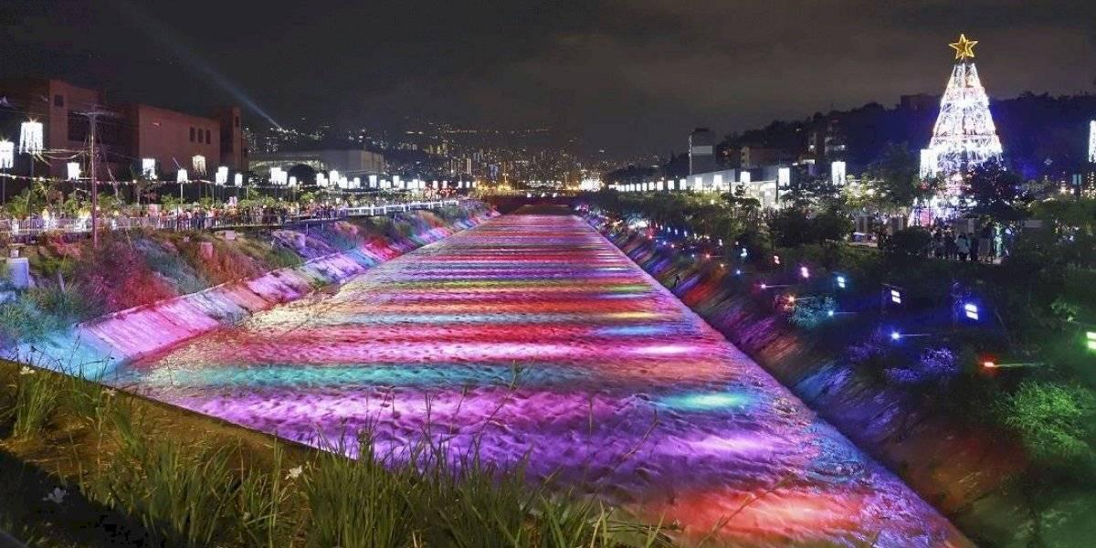 Después de cinco años volvieron los Alumbrados Navideños al río Medellín
