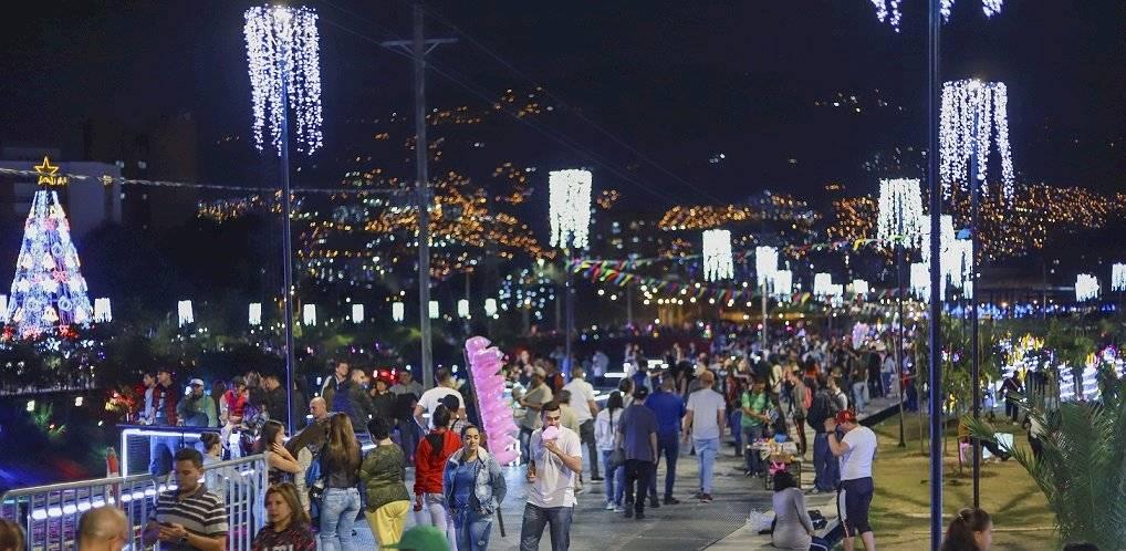 Alumbrados Navideños río Medellín 2019