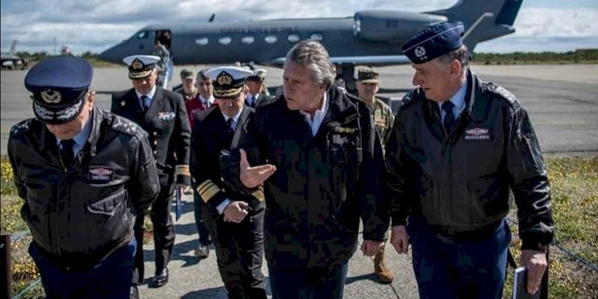 Ministro Espina viaja a Punta Arenas para informar sobre hallazgos del Hércules C-130