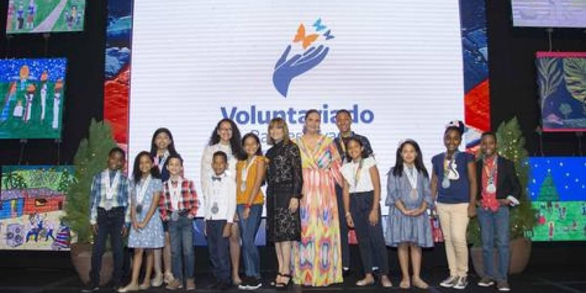 #TeVimosEn: El Voluntariado Banreservas celebra la 50a edición del Concurso de Pintura Infantil Navideño