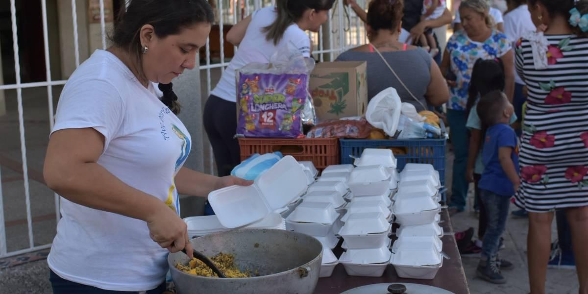 Una cocina donde se cuenta la migración venezolana a la luz del fogón en Barranquilla