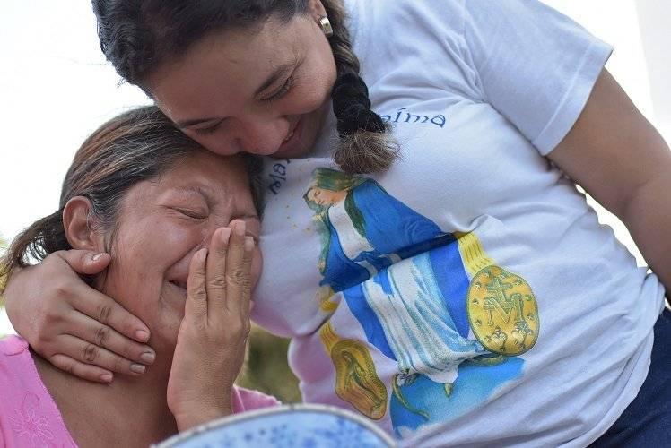 Maicler Fuentes y Sandra Vesga mujeres que trabajan en el comedor de migrantes en Barranquilla. Jairo Cassiani