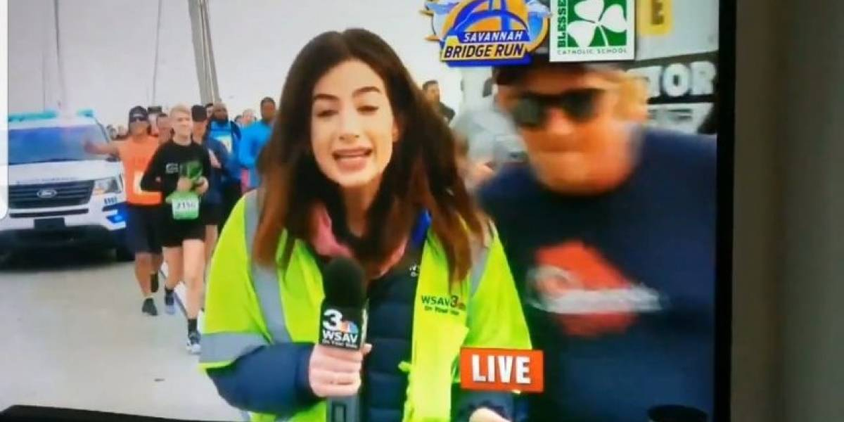 Homem dá tapa em bumbum de repórter ao vivo e é identificado