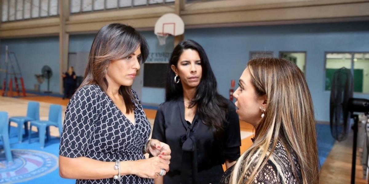 Procuradora de las Mujeres lleva donaciones a confinadas