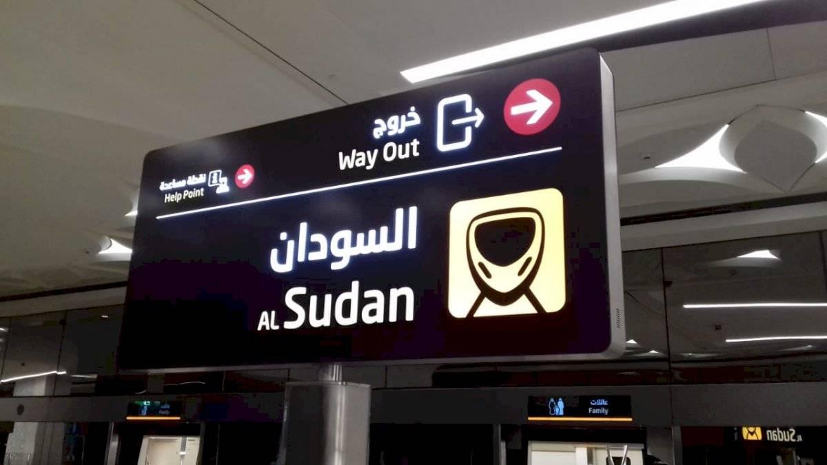 Sinalização bilingue: mesmo quem não fala (e não lê) árabe consegue se achar Cristiani Apolonio/Metro