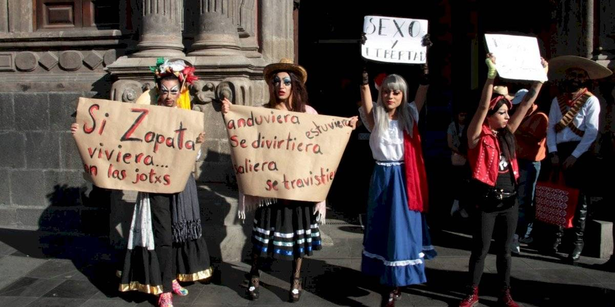 Drag queens protestan en Bellas Artes en apoyo a Fabián Cháirez