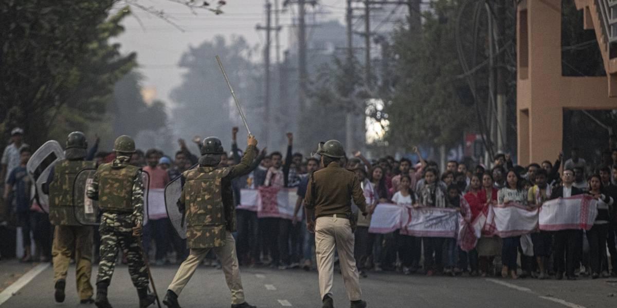 Continúan las protestas contra ley étnica en la India