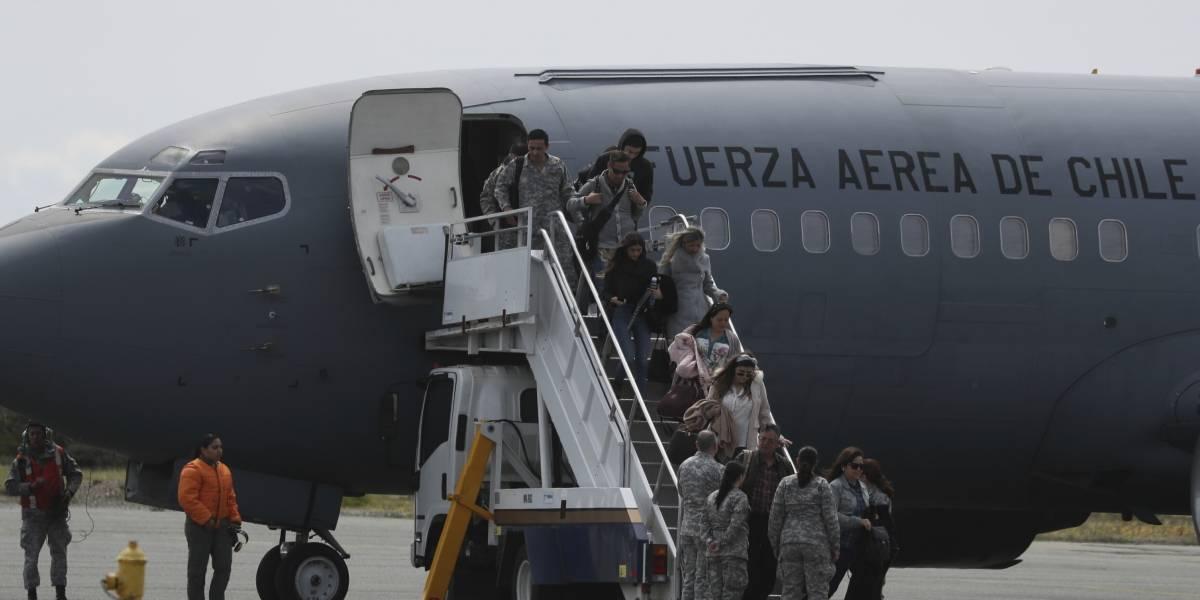 Identifican restos de 10 personas del avión estrellado en Chile