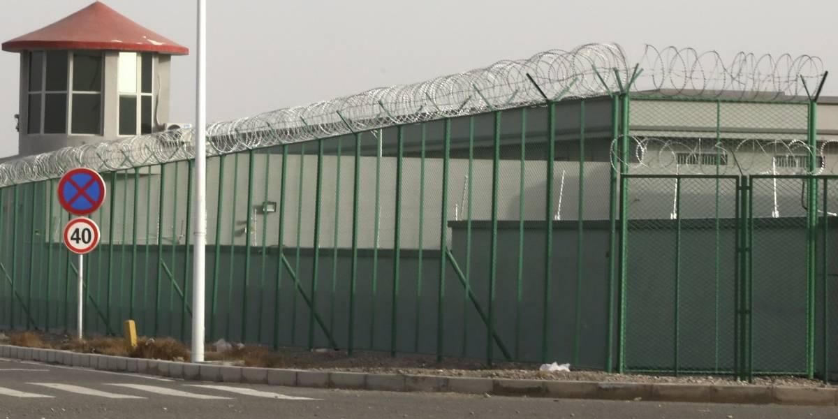 China destruye datos y refuerza controles sobre Xinjiang