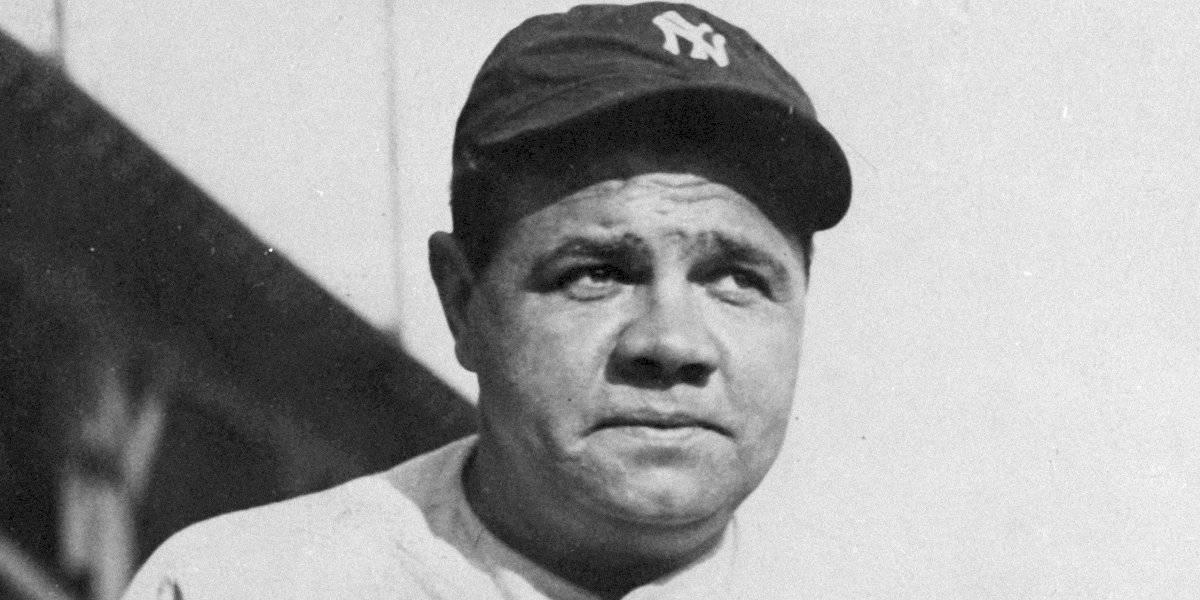 Subastan bate de Babe Ruth en más de 1 millón de dólares