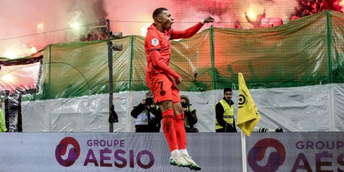 Paris Saint Germain goleó sin problemas al Saint Etienne y continúa firme en la cima de la Ligue 1