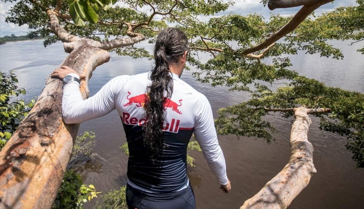 Orlando Duque explora con sus saltos las maravillas naturales