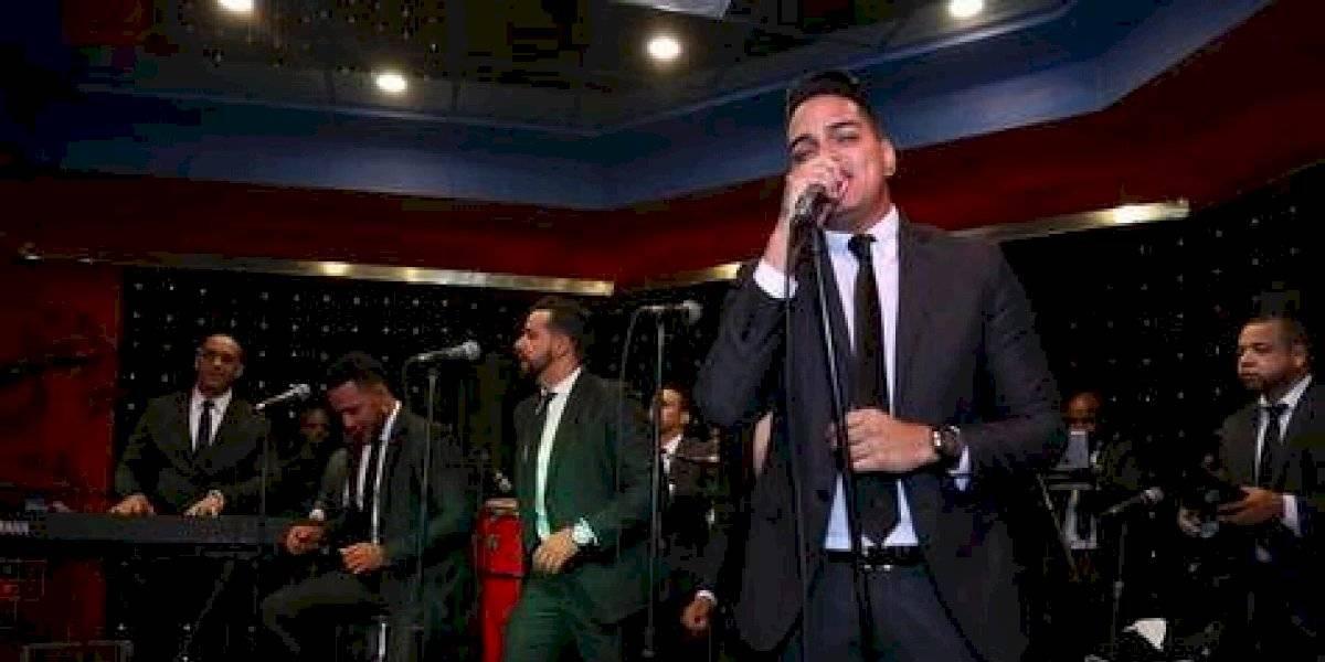 En Santiago, empresa festeja 20 aniversario con la música de Chiquito Team Band