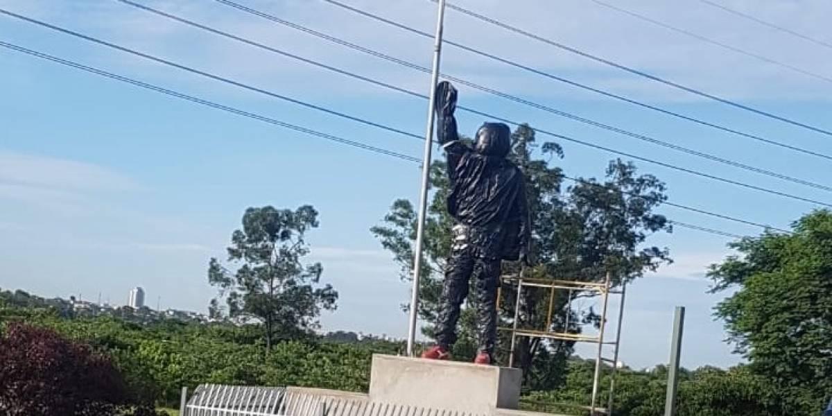 Rodovia Ayrton Senna tem lentidão devido à nova estátua que homenageia piloto