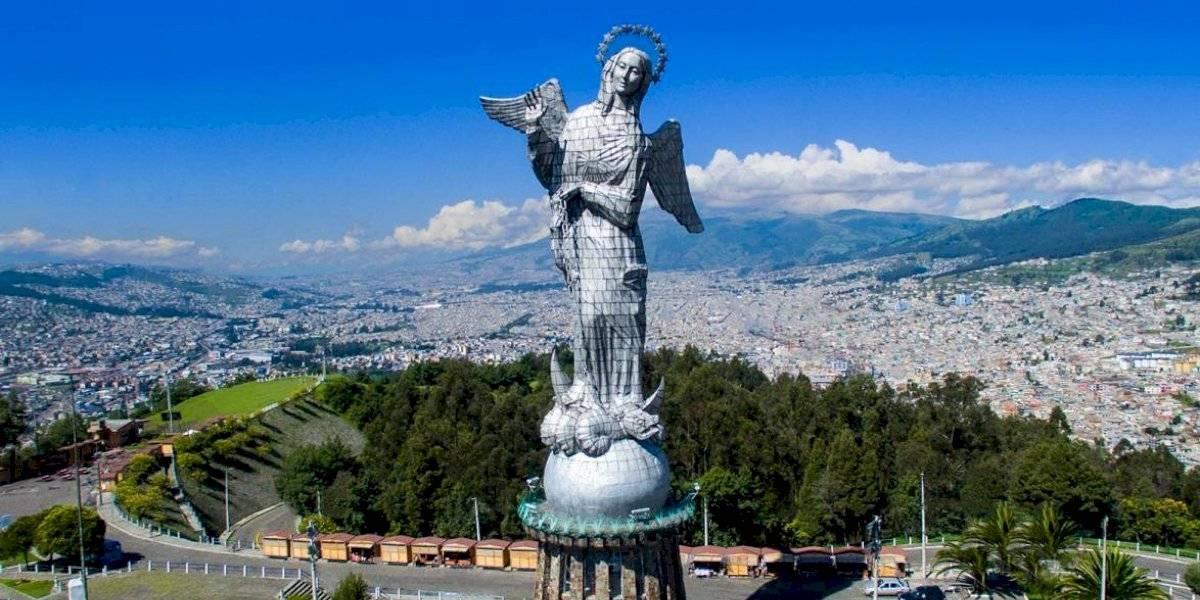 El árbol de Navidad más grande del Ecuador se enciende este lunes