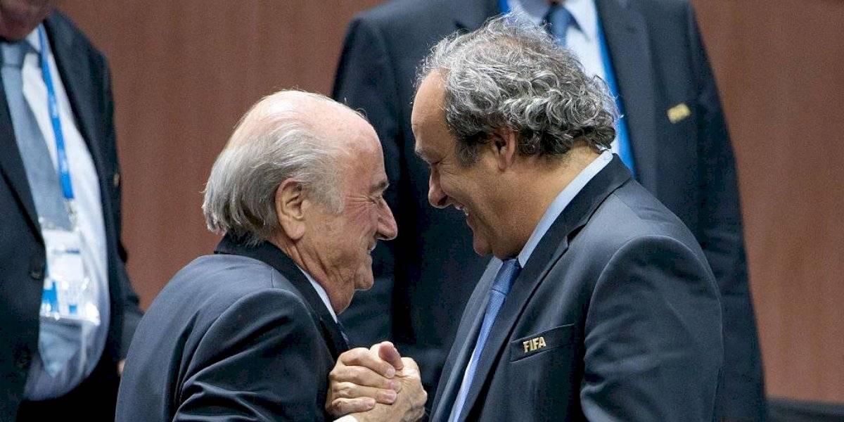 """La FIFA demandó a Joseph Blatter y Michel Platini """"por pagos indebidos"""" ante la justicia suiza"""