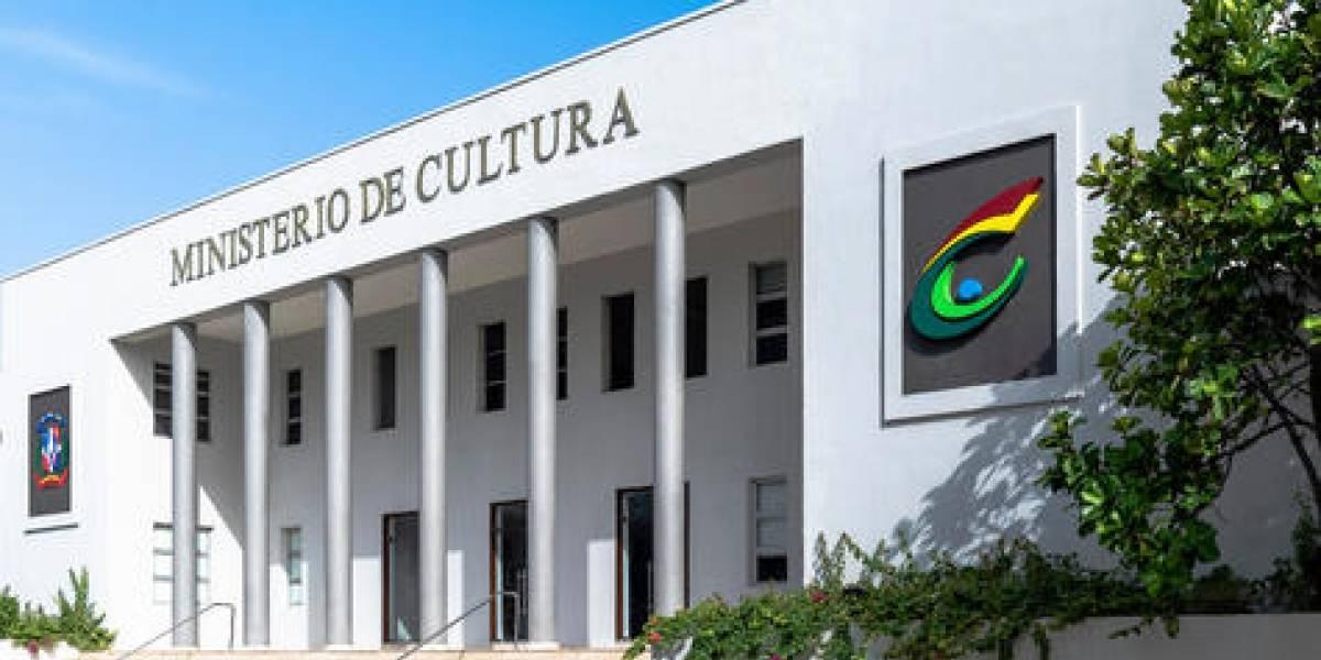 """Ministerio de Cultura pospone inauguración """"Bienal Nacional de Artes Visuales"""""""
