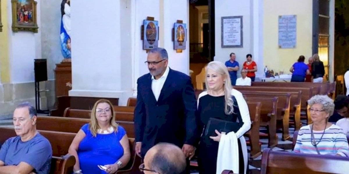 Wanda Vázquez participa del inicio de las misas de Aguinaldo