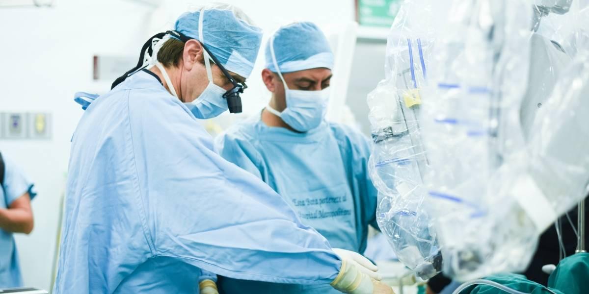 Cirugía robótica salvó riñón de niño de nueve meses en Hospital Metropolitano