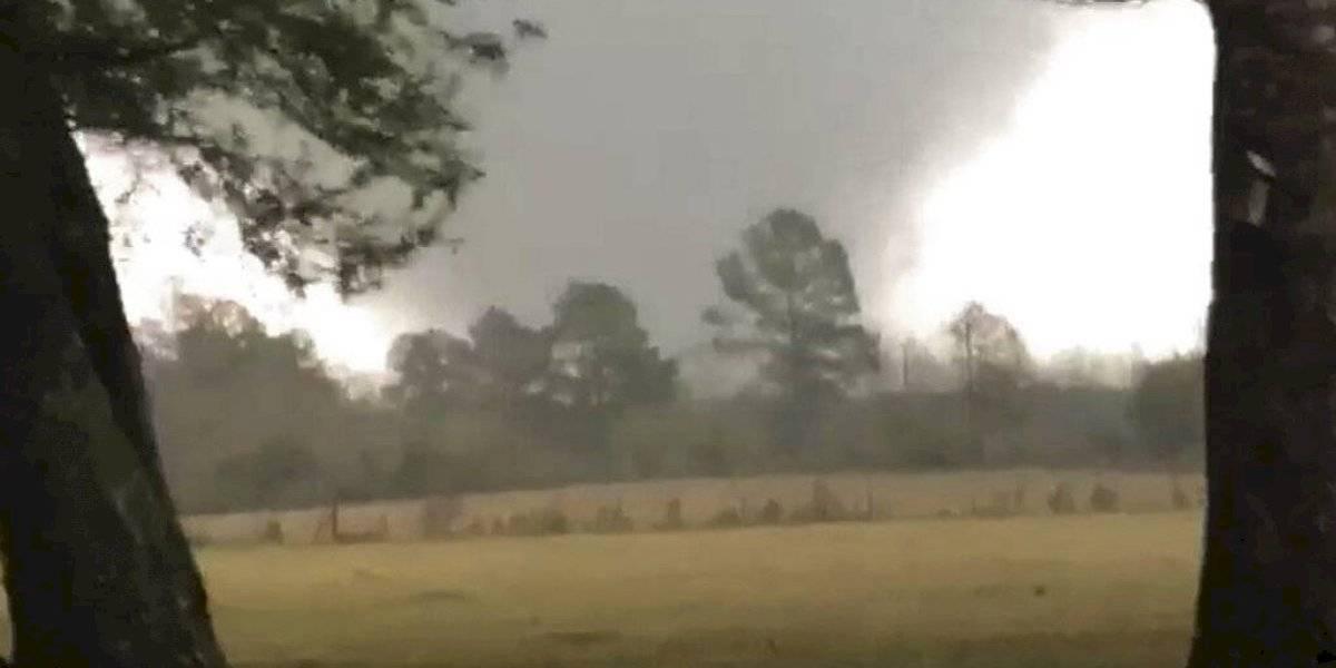 Mueren tres personas por tormentas en el sur de Estados Unidos